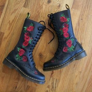 Dr. Martens Vonda embroidered rose boots